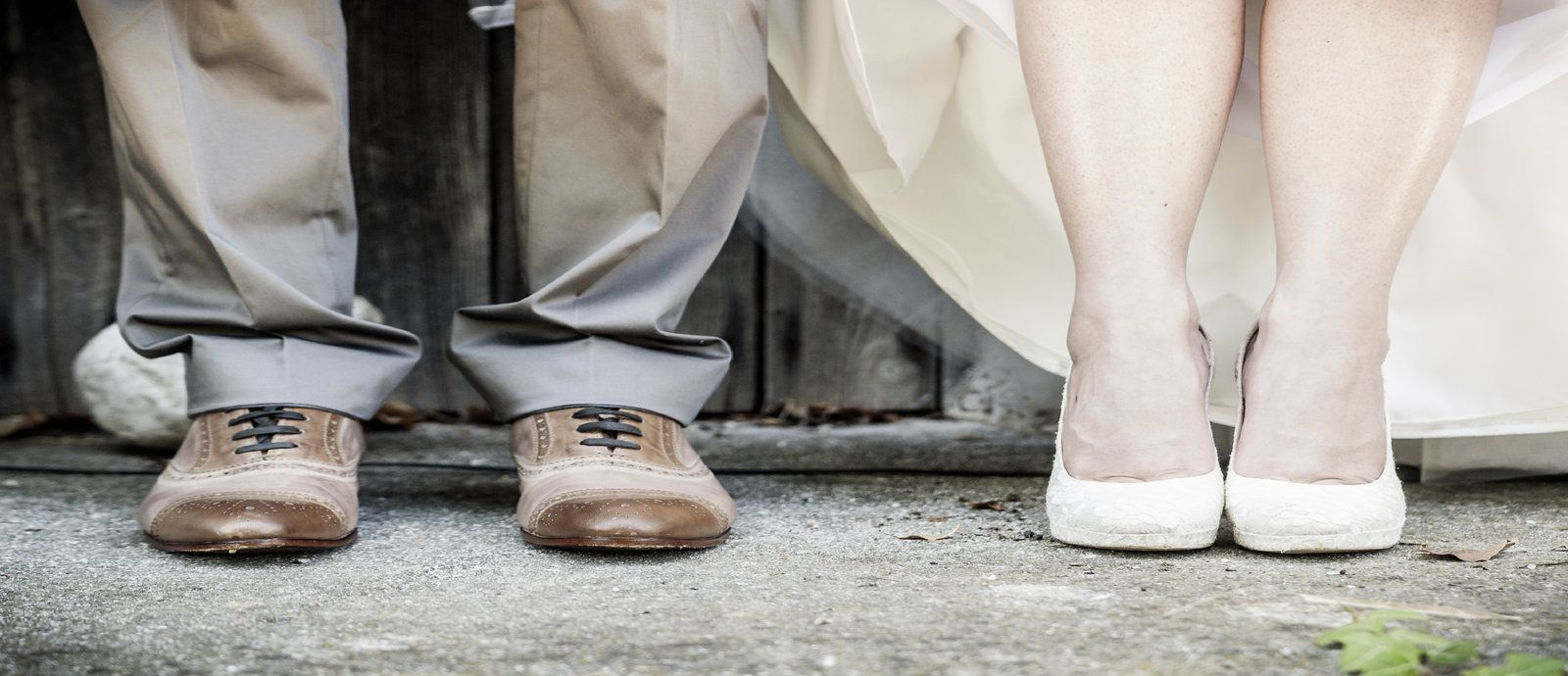 1600 x 700 Wedding Feet